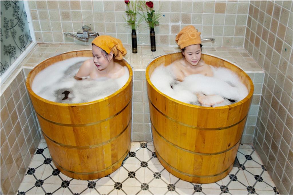 Bồn tắm gỗ mới, chất lượng tại Hà Nội
